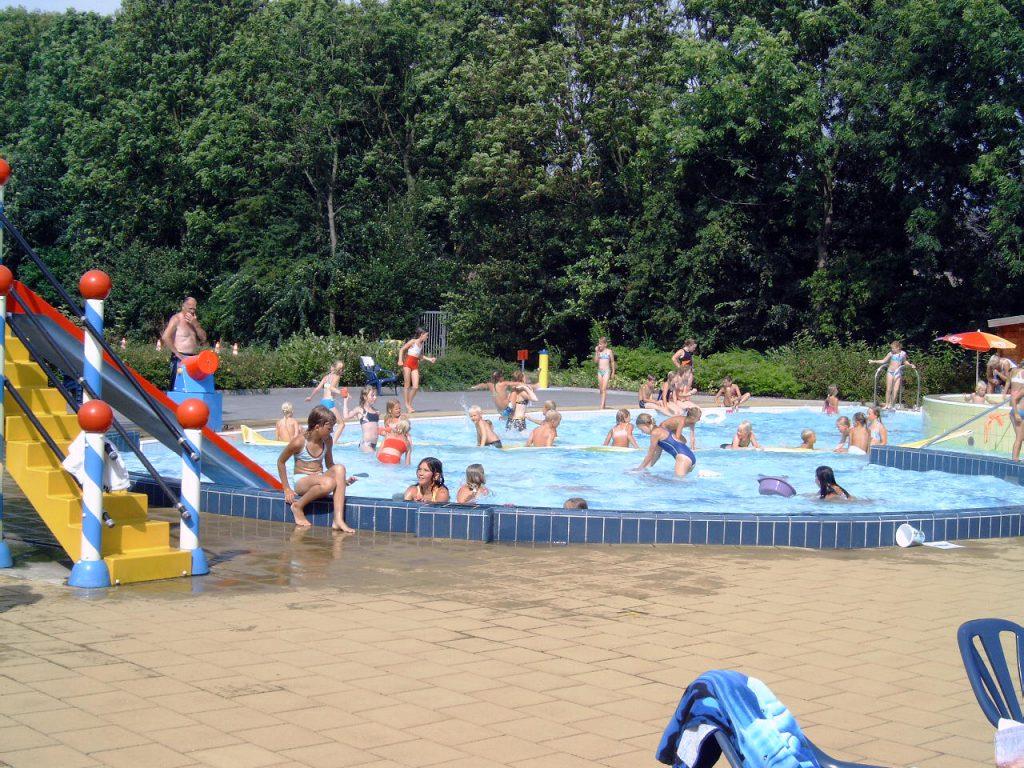 Buitenzwembad De Tweesprong