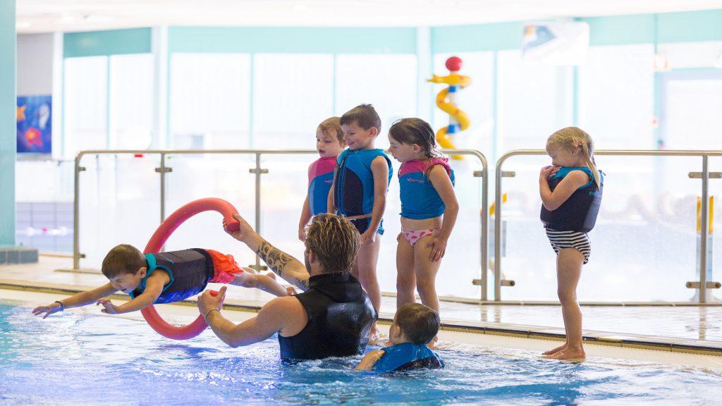 Wij gebruiken Easy Swim zwempakjes voor onze zwemlessen